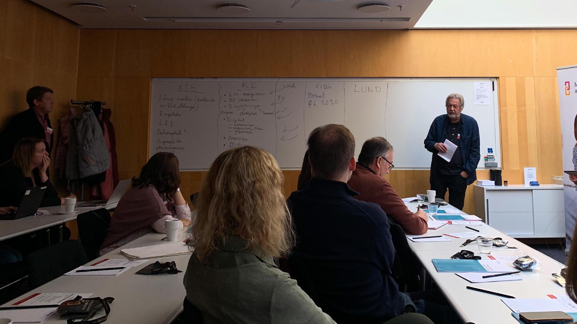 Deltagare vid seminarium för framtida utbildningar för arbetsmiljöingenjörer.